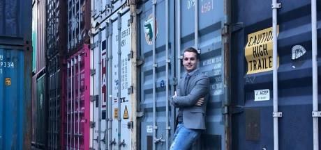 Arjan (22) tovert containers om tot woningen