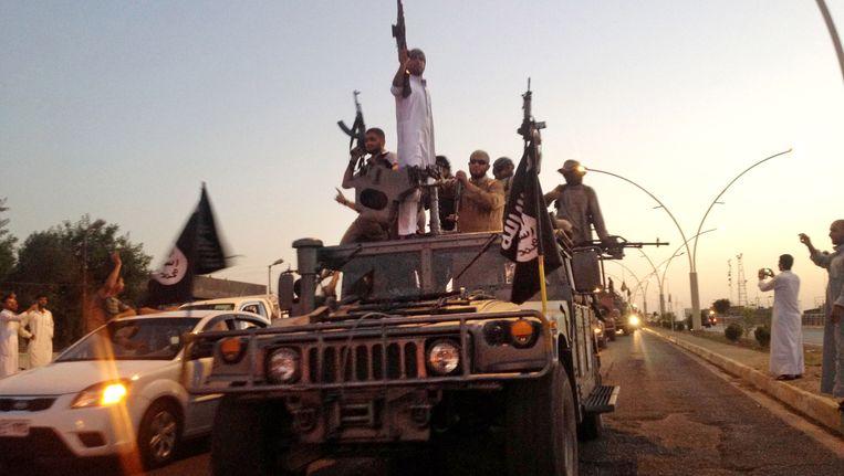 IS-strijders in Mosoel vorig jaar (archiefbeeld).