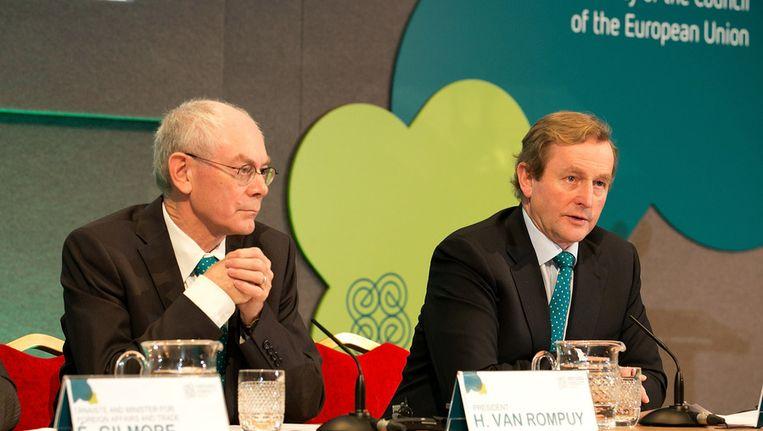 Van Rompuy (links) naast de Ierse premier Kenny Beeld getty
