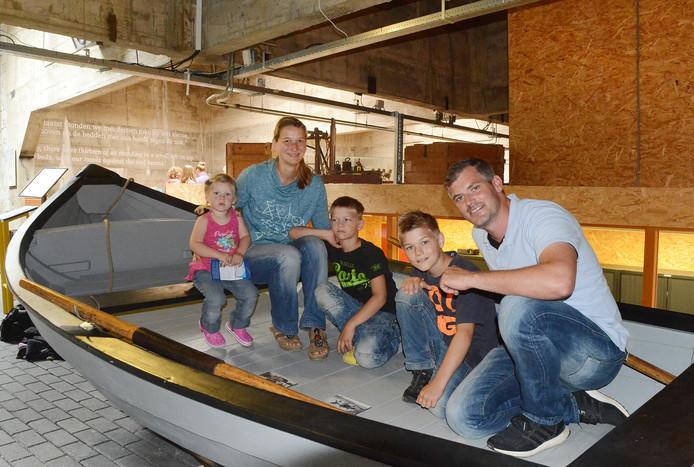 Britta en Jürgen Heisterkamp en hun drie kinderen.