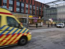 Verwarde man neemt de benen vanuit ziekenhuis Zutphen
