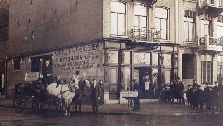 Café De Posthoorn, nu Hesp, in het begin van de twintigste eeuw. Beeld Privécollectie