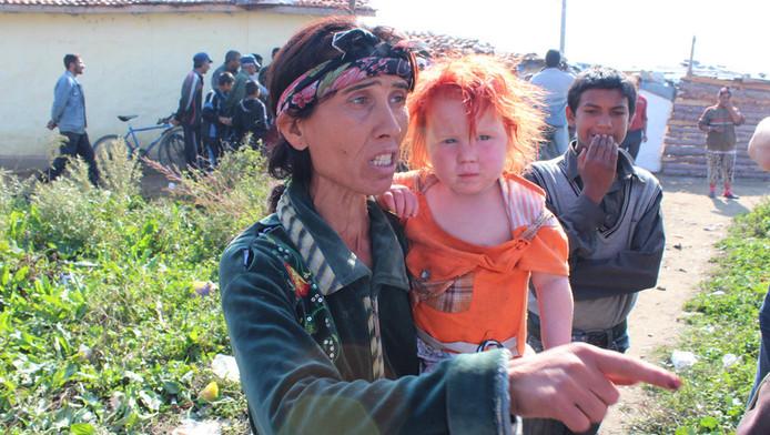 Moeder Sasha Ruseva met een van Maria's zusjes