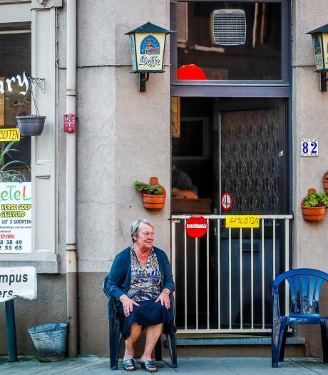 Ledeberg in beeld: caféuitbaatster op post om de buren te begroeten