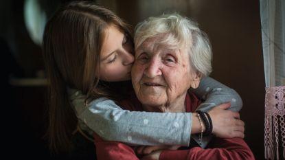 Meer huidhonger door lange lockdown: psychologe  legt uit hoe je het gemis aan fysiek contact compenseert