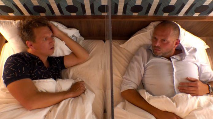 James dook in bed met Theo Francken.
