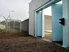 Onrust onder gevangenispersoneel; 'gevarenpremie' ter discussie