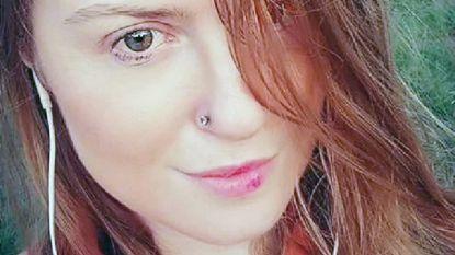 """Lara (30) ontmoet haar internetliefde in het buitenland, maar wordt in de val gelokt: """"Ik was zijn seksslavin"""""""