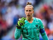 PSV haalt Oranje-aanvoerster Van Veenendaal terug naar Nederland