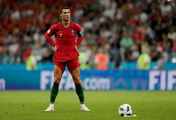 88': broekspijpen omhoog. Cristiano Ronaldo staat klaar om de 3-3 heerlijk in doel te jassen.