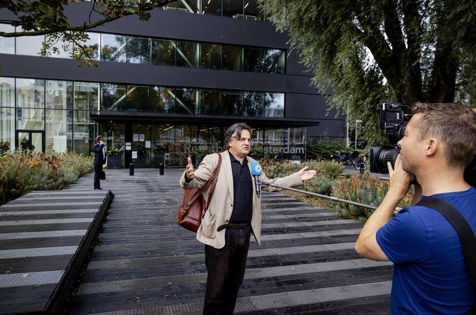 Ab Gietelink bij de rechtbank voor het kort geding over de mondkapjesplicht in Amsterdam.