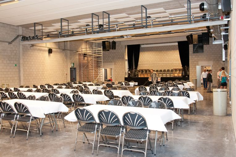 De polyvalente zaal van sportcomplex De Toren waar de wedstrijd zal plaatsvinden op 26 april.