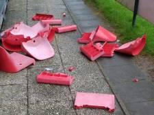 Vandalen slopen tribunestoeltjes bij VV Maarssen