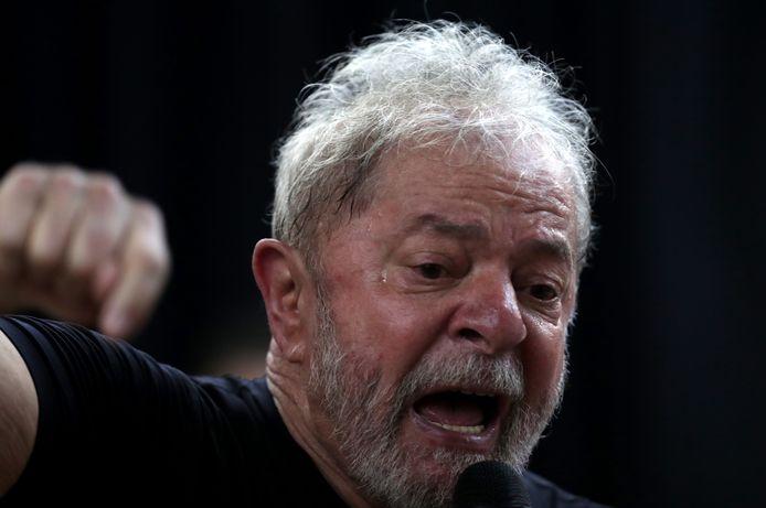 Luiz Inacio Lula da Silva houdt een gepassioneerde toespraak tijdens zijn boeklancering.