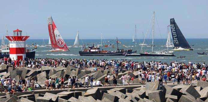 Archiefbeeld van de Volvo Ocean Race, nu The Ocean Race, toen het evenement in Scheveningen finishte.