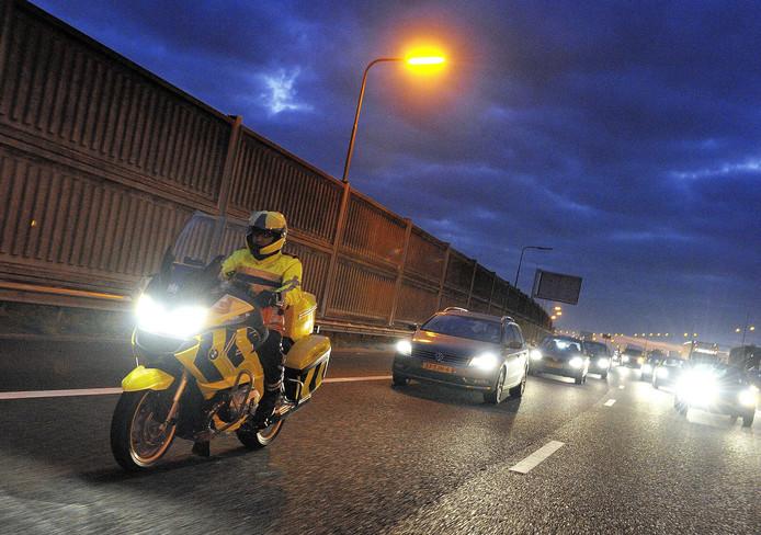 Weginspecteurs met een boa-status mogen vanaf vandaag bekeuren voor vier veelvoorkomende verkeersovertredingen.