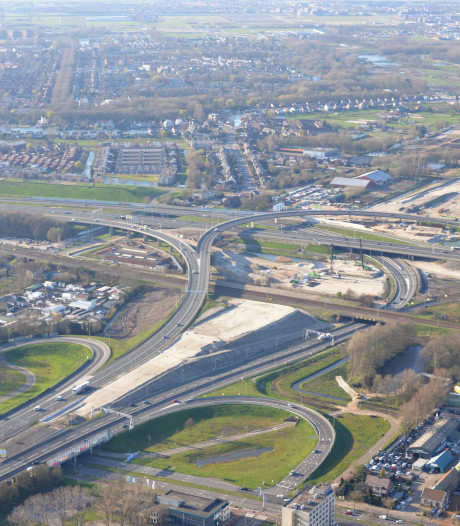 Zand, zand en nóg eens zand: nieuwe A16 Rotterdam komt uit de grond