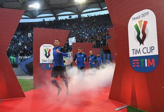 Hans Hateboer komt het Stadio Olimpico binnen.