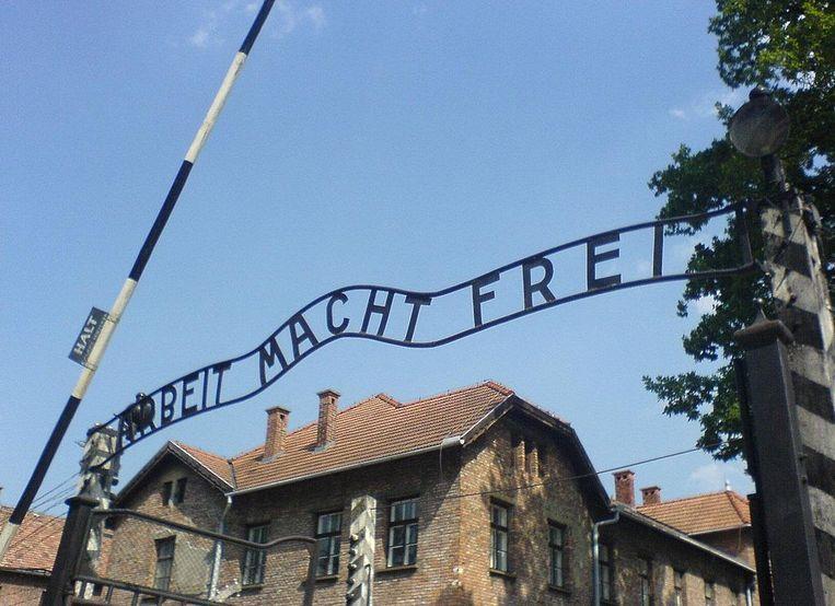 'Arbeit macht Frei' was de spottende tekst die Joden te zien kregen voordat ze in Auschwitz in de gaskamers kwamen te sterven