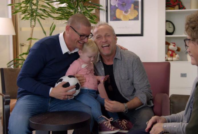 'Het staat eigenlijk best wel dit', aldus een lachende Gordon over het samenzijn met Rogier en Jamie.