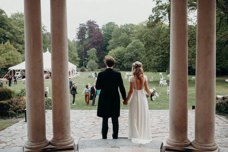 Het trouwfeest Julie Van Hassel en Charlie Morrison verscheen in het toonaangevende magazine Harper's Bazaar.