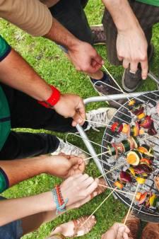 """Un barbecue à 18 dans un logement social: """"Le corona, on s'en fout! On préfère crever en s'amusant"""""""