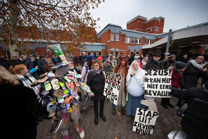 Een drukbezochte demonstratie in november tegen het uitkleden van het ziekenhuis in november.