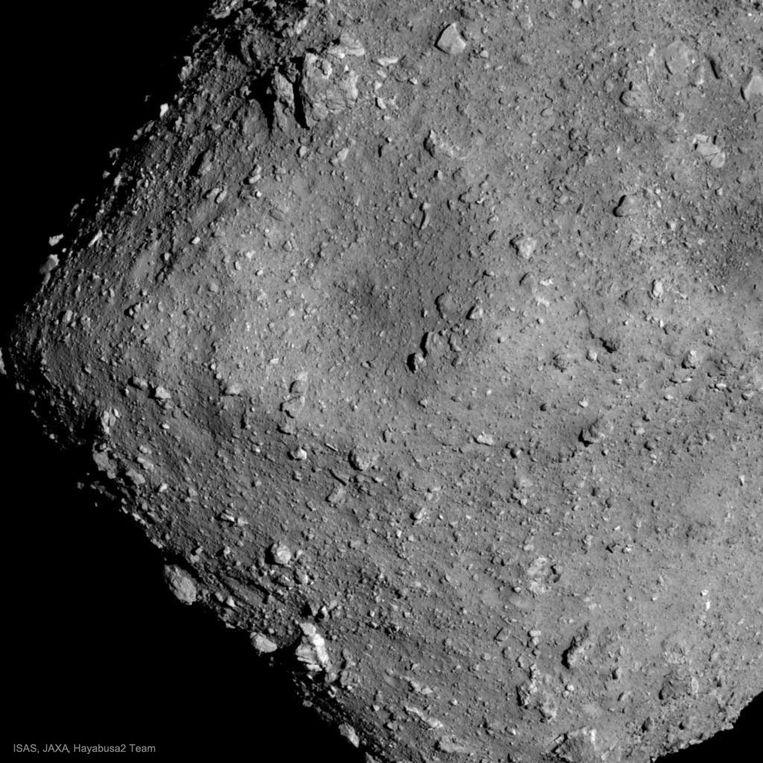 Planetoïden zoals Ryugu kunnen ons meer leren over de ontstaansgeschiedenis van de aarde en het zonnestelsel. Beeld Jaxa