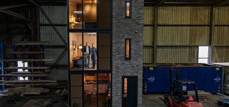 Houten huizen kant-en-klaar uit de fabriek in Emmeloord