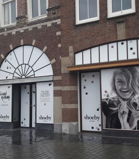Straatbeeld: Shoeby naar Markt