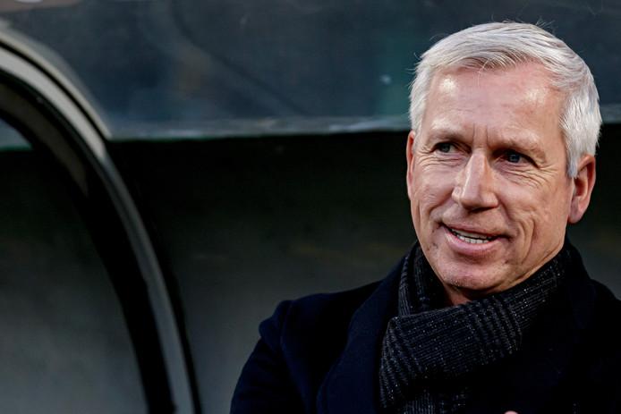 """Alan Pardew is blij Sparta-ADO dinsdagavond al is. ,,Het is voor ons ook belangrijk dat we niet in wedstrijden achterlopen."""""""