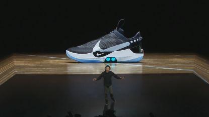 Nooit meer je veters knopen? Nike onthult 'zelfstrikkende' sportschoen met app