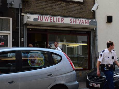Gewelddadige overval juwelier Breda, 6-jarig meisje onder schot gehouden