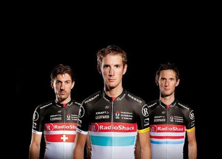Fabian Cancellara, Andy en Frank Schleck - met bescheiden vlaggen Beeld Radioshack