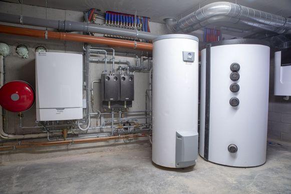 Heb je nog een oude, energieverslindende ketel in huis? Door over te stappen op hernieuwbare oplossingen kan je heel wat  besparen.