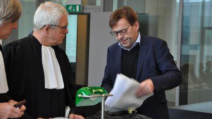 """Wim Delvoye in rechtbank """"Ik ben hier de enige die niet corrupt is"""""""