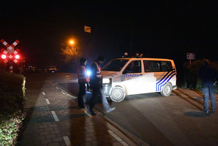 Aan de spoorwegovergang in Holsbeek-Plein werd een jongeman gegrepen door een trein.