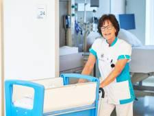 Verloskundige Marleen na 44 jaar in het ziekenhuis: 'Het is mooi geweest na een paar duizend baby's'