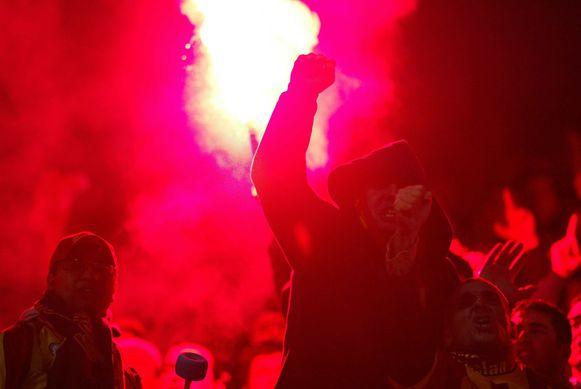 In 2002 kwamen de Galatasaray-fans al eens op bezoek in Brugge. Er vielen heel wat gewonden en de schade bij de rellen was groot.