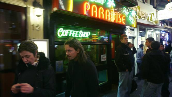 Amsterdam onderzoekt of het aantrekkingskracht cannabis op toeristen moet verkleinen