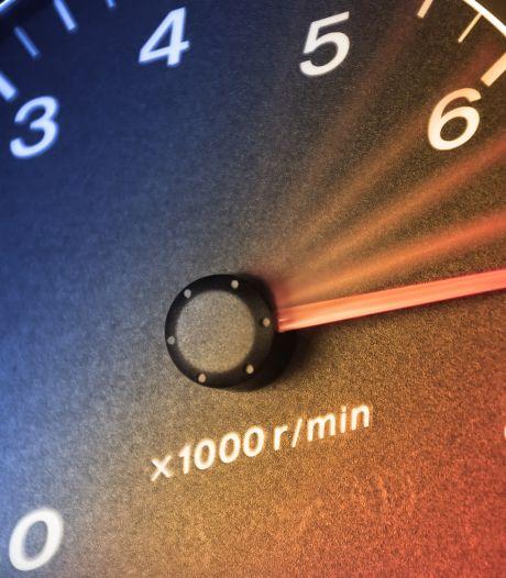 Twee snelheidsduivels zijn rijbewijs kwijt na overtredingen bij Waalwijk