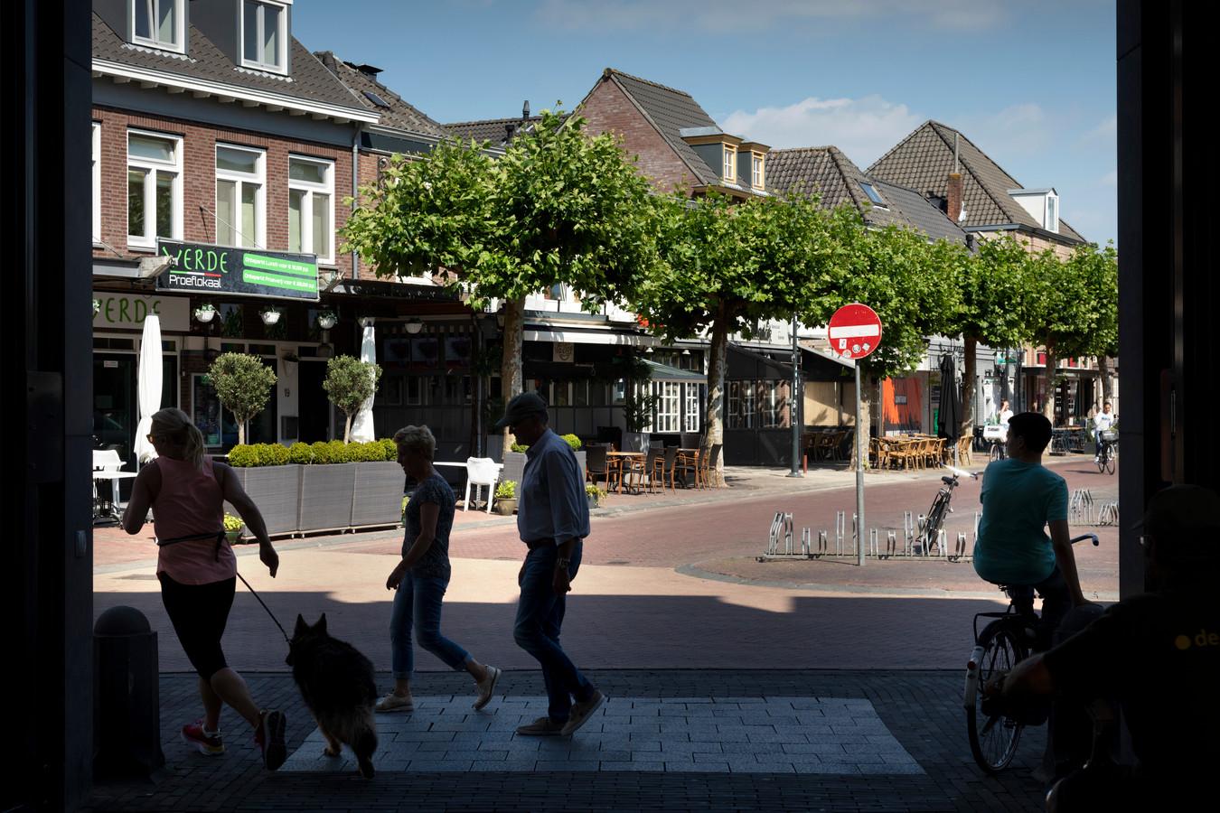 Op de Markt in Boxtel ging het afgelopen weekeinde helemaal mis. Een 21-jarige man werd met verwondingen aan zijn hoofd naar het ziekenhuis gebracht.