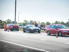 File op A12 na botsing met drie auto's bij Duiven