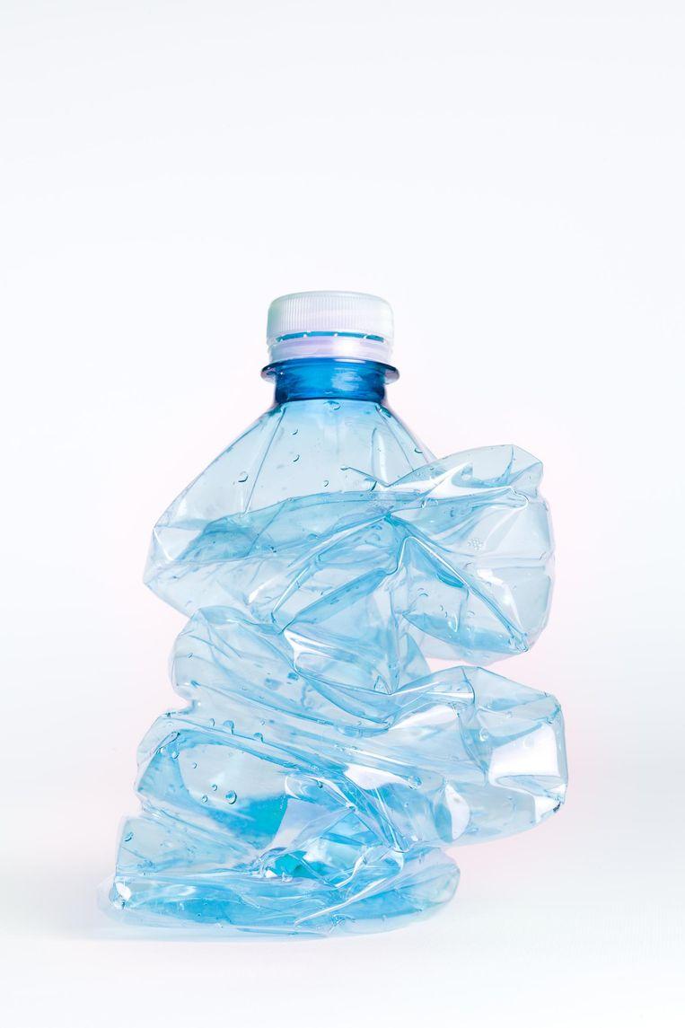 De regering wil per 2021 statiegeld op kleine flesjes invoeren, mits fabrikanten 70 procent van het afval weten terug te dringen Beeld Getty Images