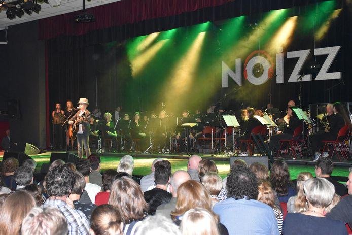 Finn van Heijningen op het podium van de eerste NOIZZ in Erp.