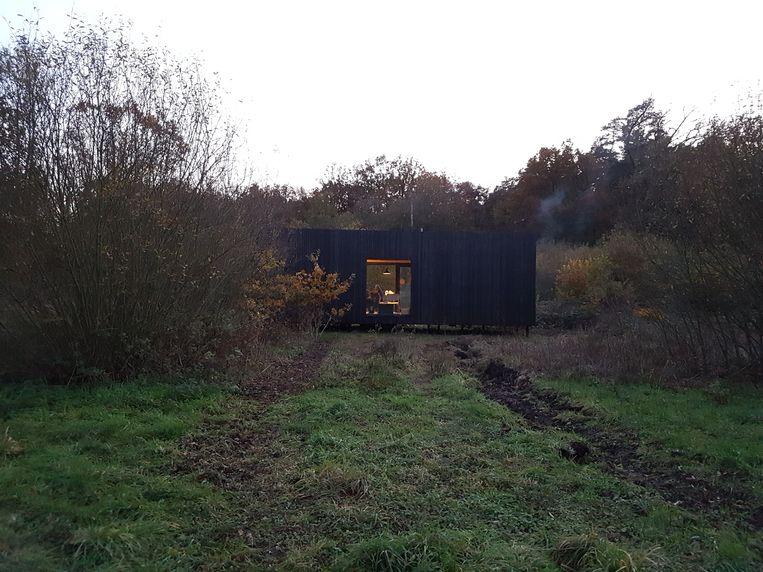 De 'Slow Cabin' nabij bosreservaat Helschot moet verhuizen.