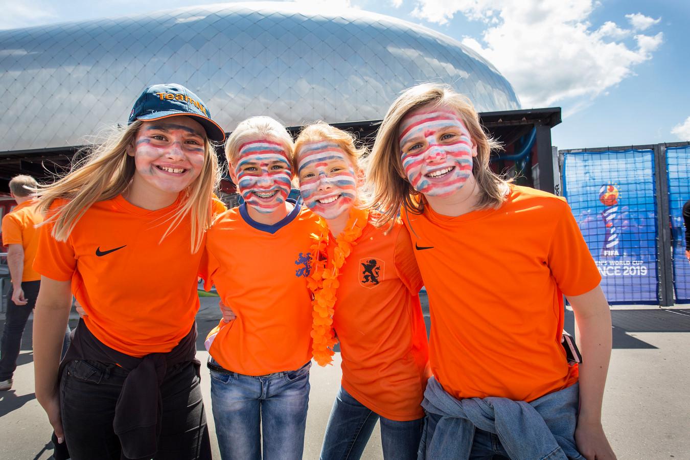 De meiden uit Langeraar: vanaf links Jente, Jill, Marleen en Bente. Foto Arie Kievit