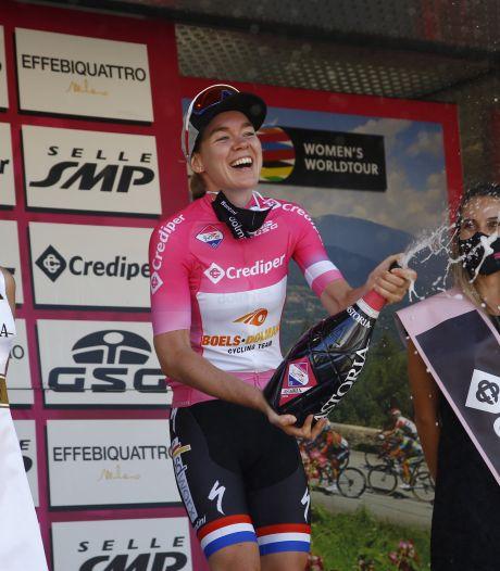 Van der Breggen grijpt naast dagzege, maar pakt wel de leiding in Giro Rosa
