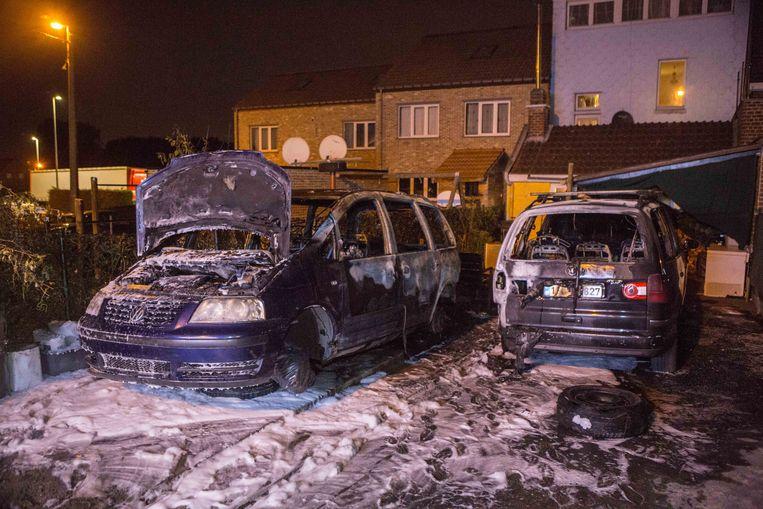 De uitgebrande wagens