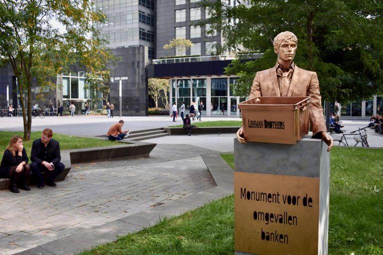 Monument voor omgevallen banken Beeld PvdA